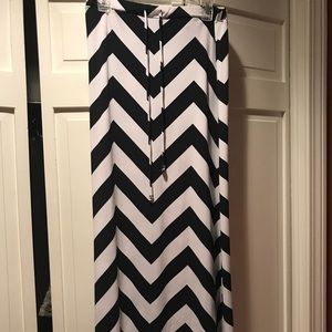 Navy & white Chevron maxi skirt